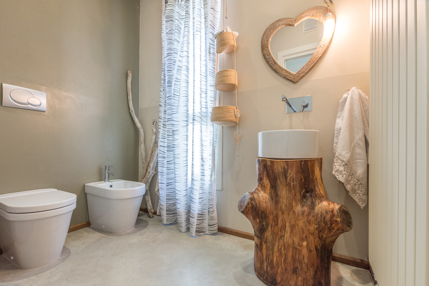 LEGNO WOOD TRONCO bagno bathroom diy faidate riciclo recupero homestaging mirna casadei interiors real estate home vendo casa annunci immobiliare-8321.jpg